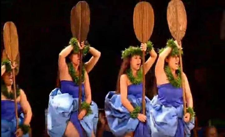 Traje tipico hawaiano de mujer Wahine - Kahiko 3