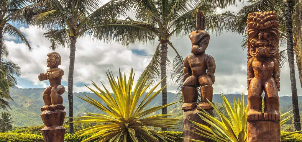 tikis hawaianos madera